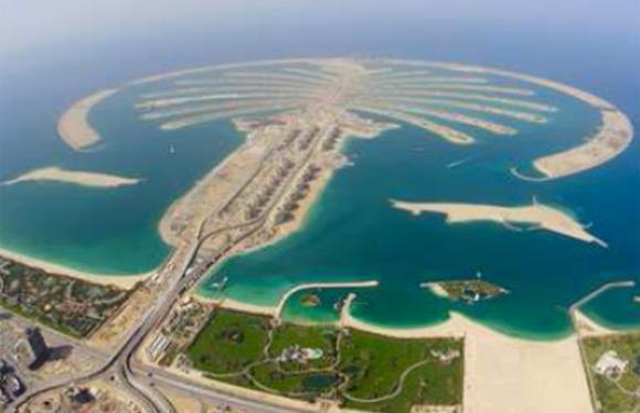 05. Palm Jumeirah, Dubai (UAE)